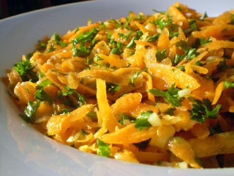 Ensalada De Zanahoria Rallada Al Estilo Marroqui Recetas Veganas Recetas Vegetarianas Vegetarianismo Net Elaboración de la receta de ensalada de zanahoria pela las zanahorias y rállalas en tiritas en un bol. ensalada de zanahoria rallada al estilo marroqui