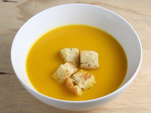 Sopa de zanahoria y coco